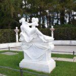 Skulptur am Schloss Sanssouci im Park Sanssouci